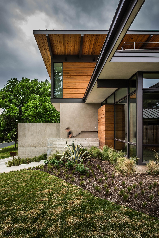 Planos de casa de dos pisos grande fachada e interiores