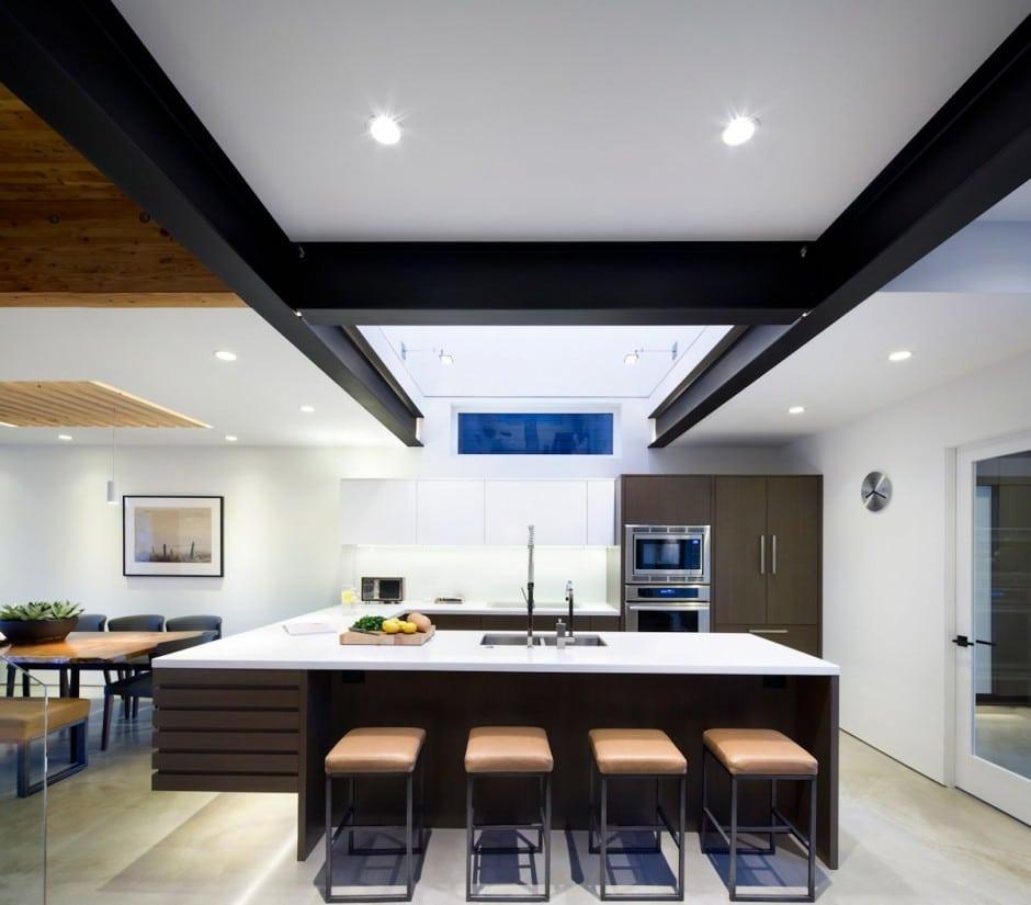 Fachada de casa moderna de dos pisos y diseo de interiores