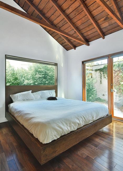 Casa de un piso combina moderno y antiguo