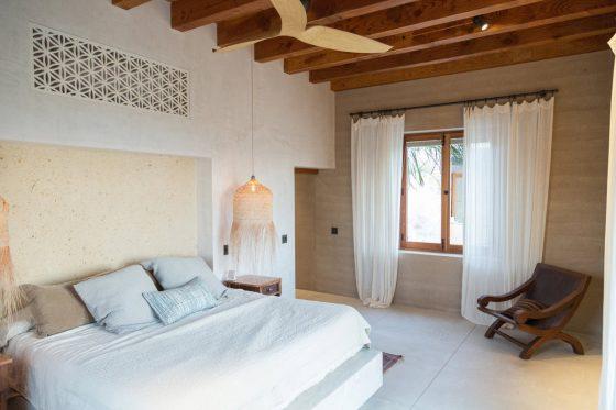 Sabit güverteli kır evi yatak odası tasarımı