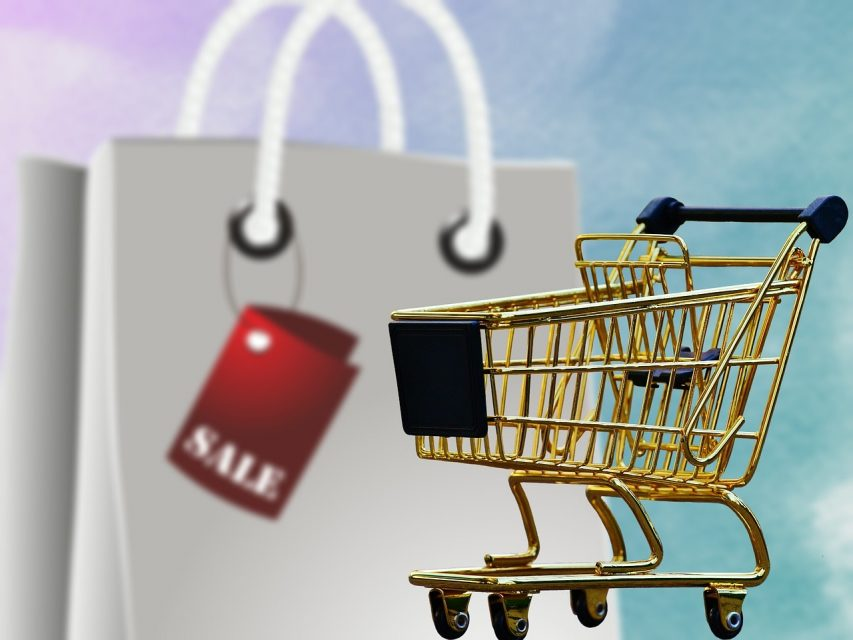 holiday shopping price comparison