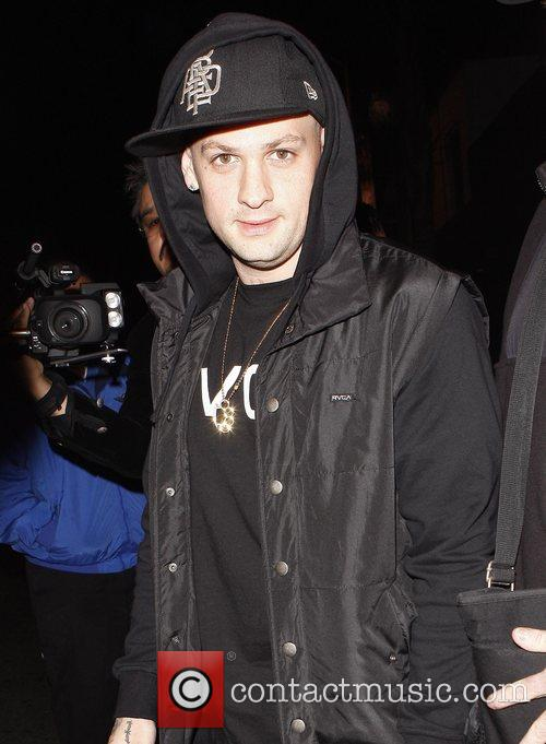 Benji Madden Leaving Bar Deluxe 2 Pictures