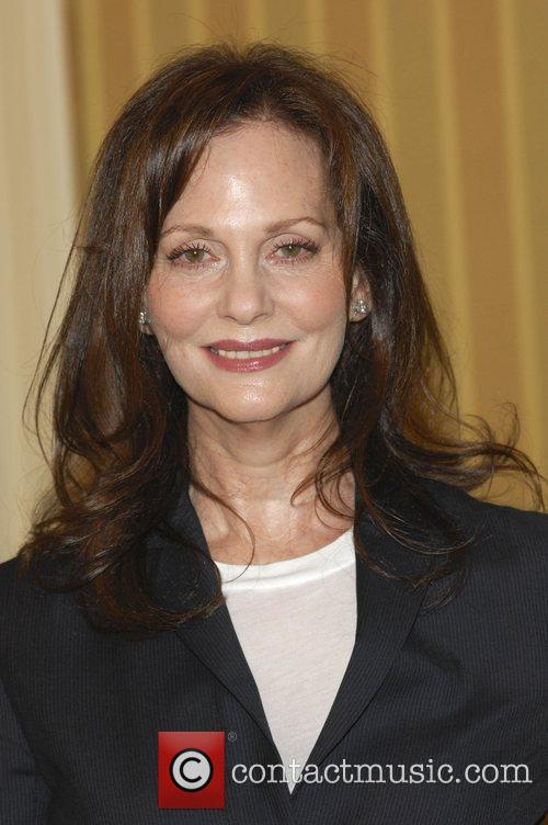 https://i0.wp.com/www.contactmusic.com/pics/lc/step_up_2_060609/lesley_ann_warren_2446070.jpg
