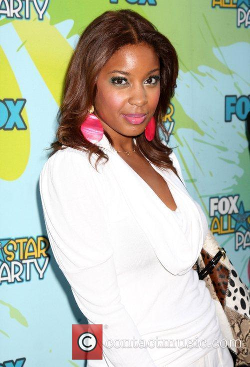 https://i0.wp.com/www.contactmusic.com/pics/lc/tca_fox_party_nn_060809/reagan_gomez-preston_2532303.jpg