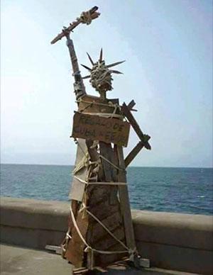 Escultura aparecida en el Malecón de La Habana...