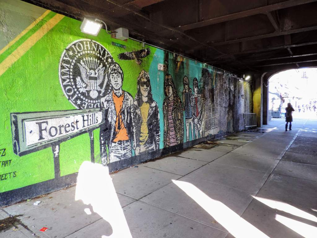mural los ramones forest hills