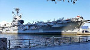 Exterior del USS Intrepid