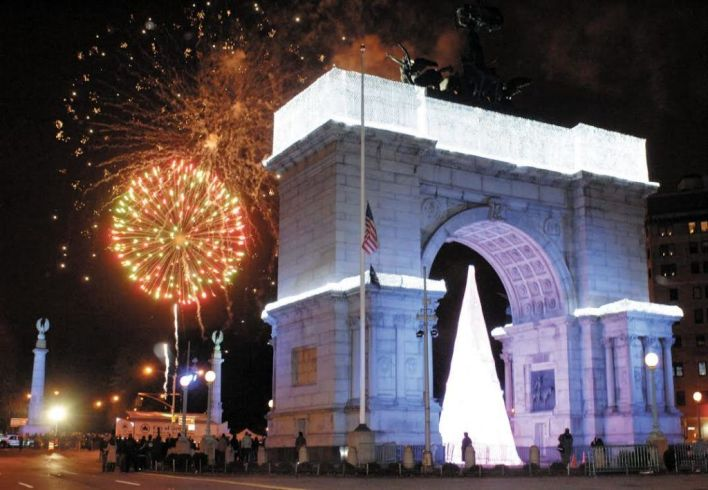 The New Year's Eve Grand Army Plaza fireworks show. Eagle file photo by Paul Martinka
