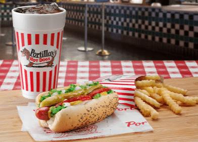 Portillo hot dog en Chicago