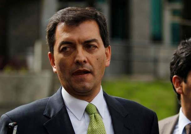 Luis Alfonso Hoyos será juzgado en Colombia a pesar de estar prófugo