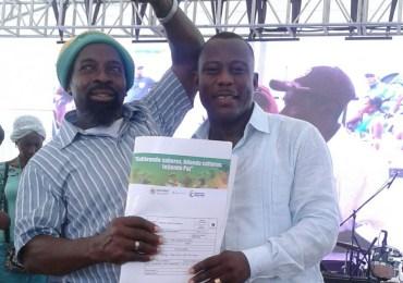 Tras 16 años de lucha las Comunidades negras del Naya reciben título colectivo