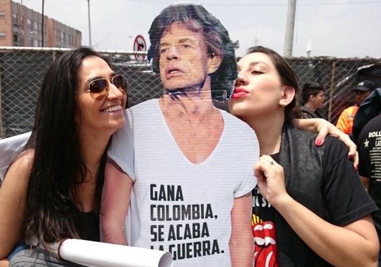"A ""Mick Jagger"" le pusieron la camiseta por la paz"