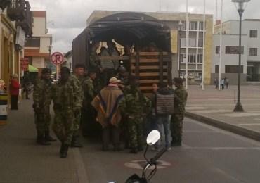 """Servicio militar está siendo sometido a """"publicidad engañosa"""" por el gobierno"""