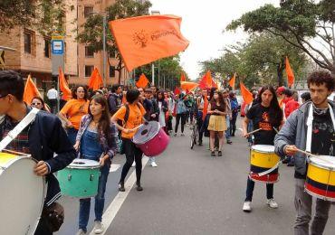 400 estudiantes de la Universidad Pedagógica marchan en apoyo a la Minga Nacional