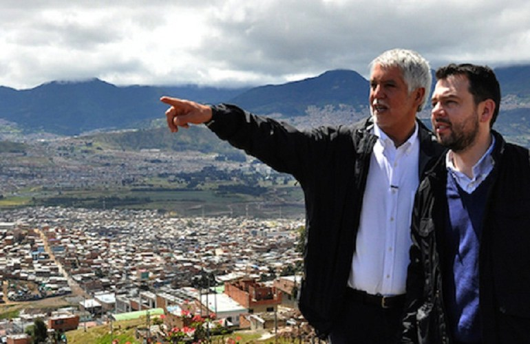 """""""Menos cemento, más inversión social"""": habitantes Ciudad Bolívar a alcalde Peñalosa"""