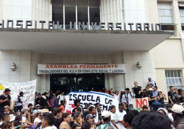 Trabajadores cumplen 15 días viviendo en el Hospital Universitario del Valle