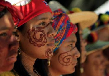 Comunidades Wayuu de la Guajira cierran pasos de vía férrea de empresa Cerrejón