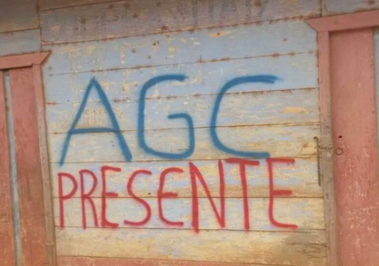 Control paramilitar se afianza en Bajo Atrato y Cauca