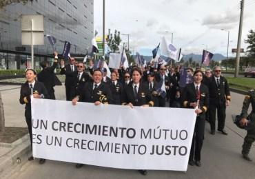 WOLA alerta sobre violación a los derechos laborales de pilotos de ACDAC