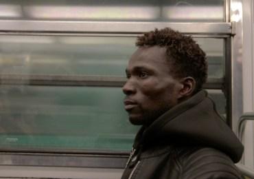 Colis suspect: una mirada documental al cerrojo de la UE a los migrantes