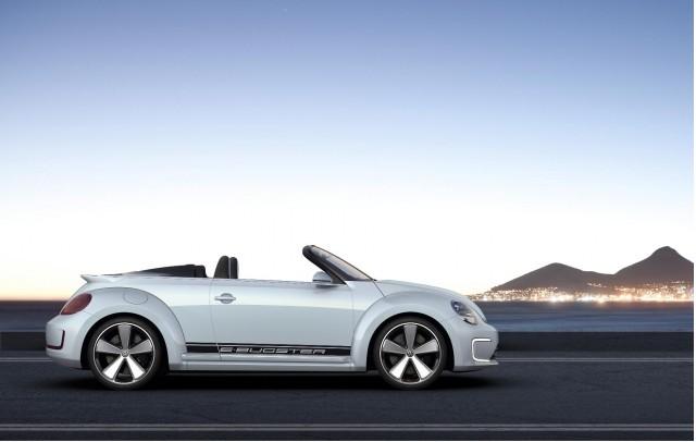 volkswagen e-bugster no stand da marca no salao de pequim 2012 vista lateral