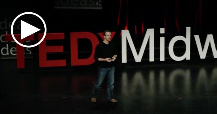 """Jason Fried tiene la teoría de que """"la oficina no es un buen lugar de trabajo"""". En esta charla TED, se analiza el efecto de las distracciones sobre la productividad"""