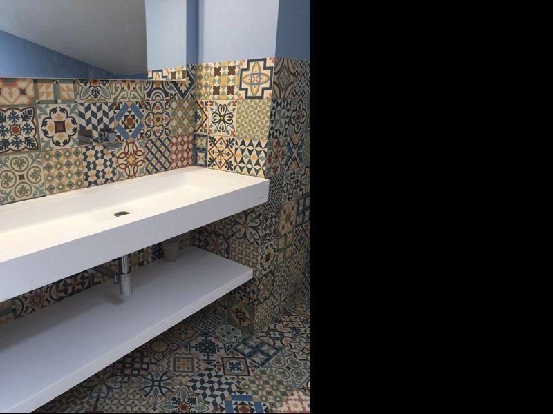 Azulejos hidrulicos para reformar un bao  Interiorismo