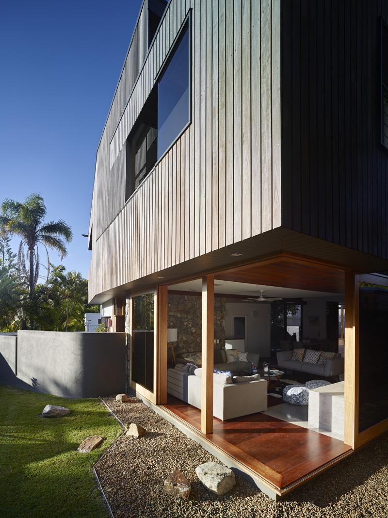 Sunshine Beach House By Shaun Lockyer Architects  CONTEMPORIST