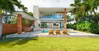 A look inside a contemporary home on Di Lido Island in ...