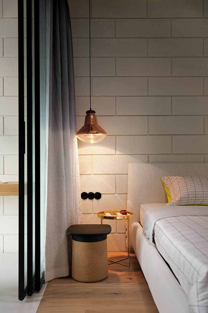 21 Examples Of Bedrooms With Bedside Pendant Lights
