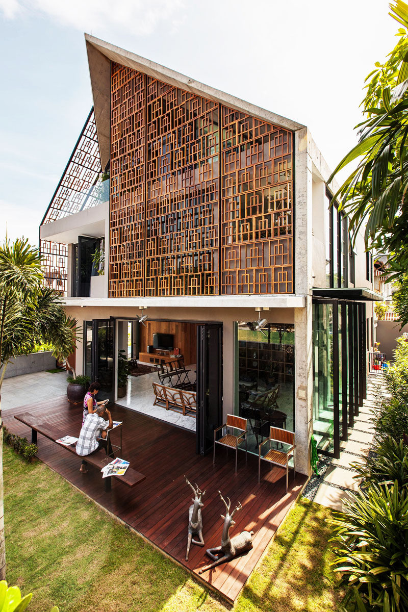 Teak Screens Provide Privacy Natural Light And Ventilation In This Home CONTEMPORIST