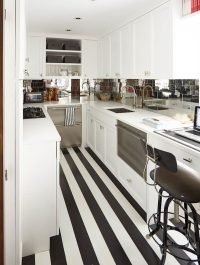 7 Examples Of Striped Floors In Contemporary Homes ...
