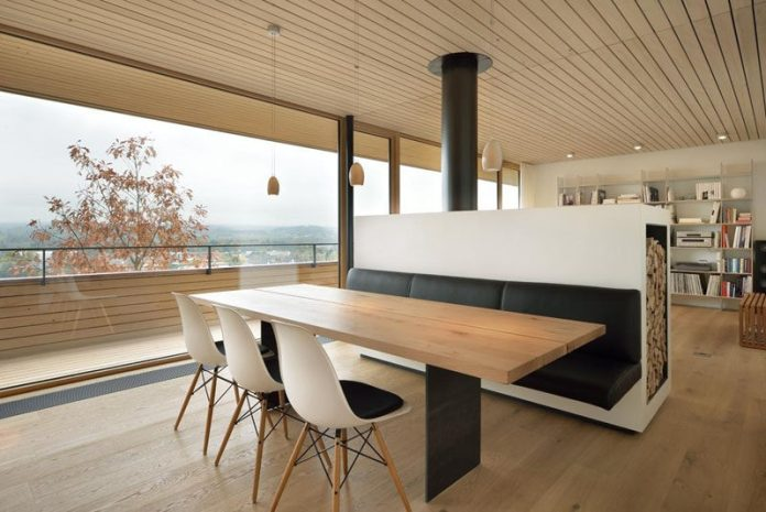 Dining Room Design Idea Use Built In Banquette Seating To Save Space