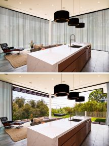 House In Los Angeles Designed With Rooftop