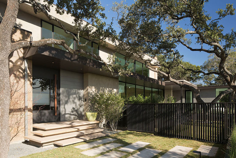 Dick Clark Architecture designed this contemporary house located on a sloping site that has picturesque views of downtown Austin, Texas.