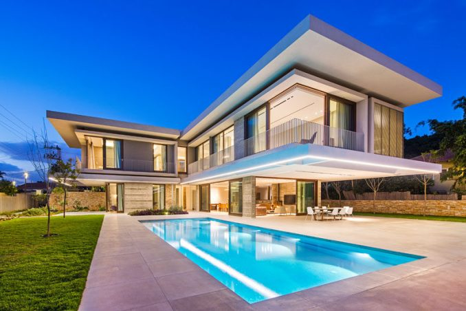 Metropole Architects have recently completed the TLV House, that lies in the outskirts of Tel Aviv, and has a large backyard with a pool and gazebo.