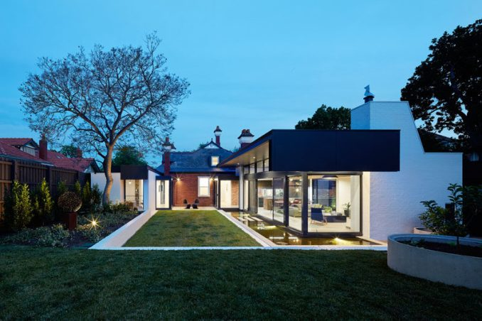 Nic Owen Architects have recently completed a modern extension on 'Marrandillas', a 117 year old Edwardian manor on the outskirts of Melbourne, Australia.
