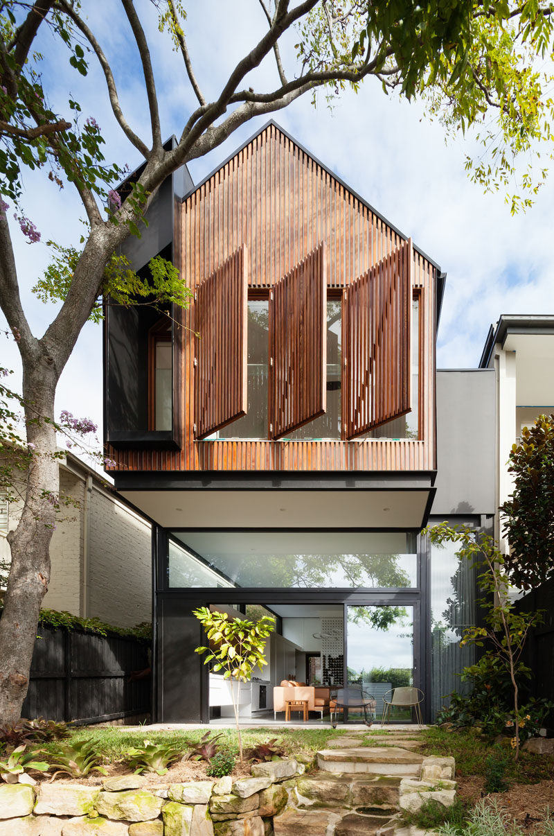 This House In Australia Received A Cantilevered Extension