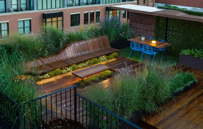 Jeremy Jih of J.Roc Design recently completed Wood Flow, a sculpted, modular roof deck that's 600 square feet in size and surrounded by greenery.