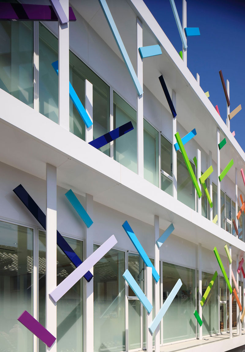 Colorful Branches Cover This New Kindergarten Building