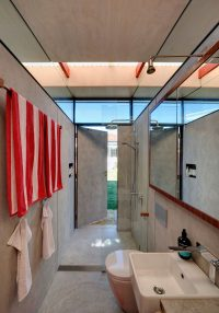 This Impressive Backyard Shed Combines Living Quarters, A ...