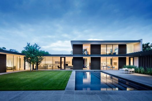 Bodron+Fruit have designed the Preston Hollow residence in Dallas, Texas, for a couple that wanted a home to display their ever-growing art collection. #ModernArchitecture #ModernHouse