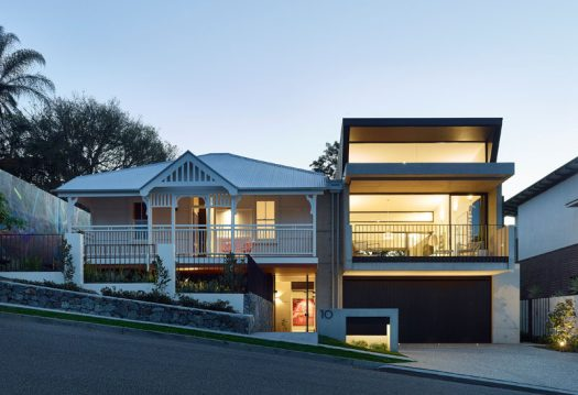Shaun Lockyer Architects (SLa) have designed a contemporary extension to home in Brisbane, Australia, that creates additional living spaces for the family that lives there. #ModernHouseExtension #Architecture