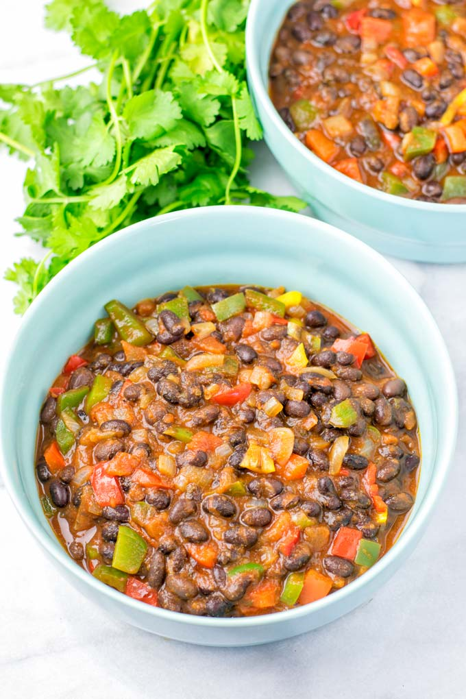 Main ingredients are black beans, bell pepper, chiis, onions, and garlic.