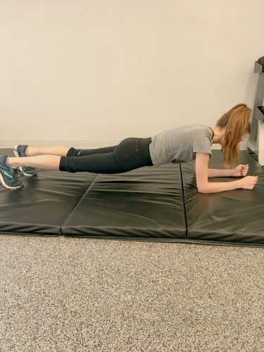 Common exercise mistakes: plank with hips sagging