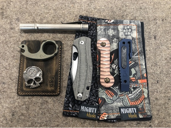 GiantMouse Knives GiantMouse Ultimate EDC Giveaway