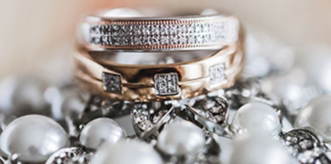 Town and Country Sweepstakes – Win Gorgeous Jewelry $10,000