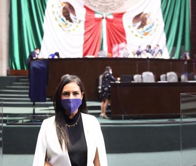 Presenta Celaya iniciativa para que mujeres y hombres deportistas en México ganen por igual