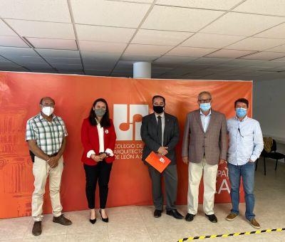 Se reúne Nancy Fonseca Candidata del PT con el colegio de Arquitectos