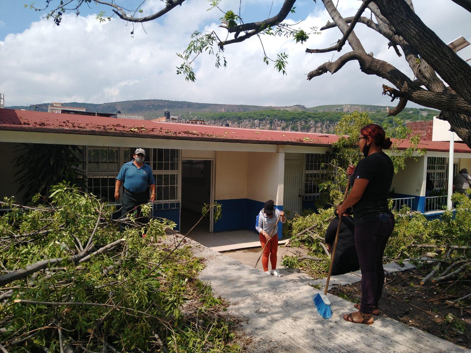 Inician Jornadas de limpieza y rehabilitación en las escuelas de la Región Celaya